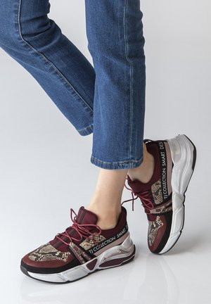 CHUNKY  - Trainers - bordeaux