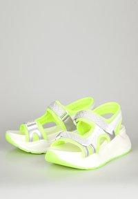 TJ Collection - Platform sandals - neon yellow - 2
