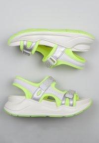 TJ Collection - Platform sandals - neon yellow - 3