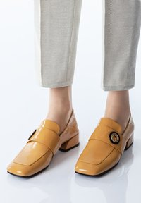 TJ Collection - Slip-ons - yellow - 0
