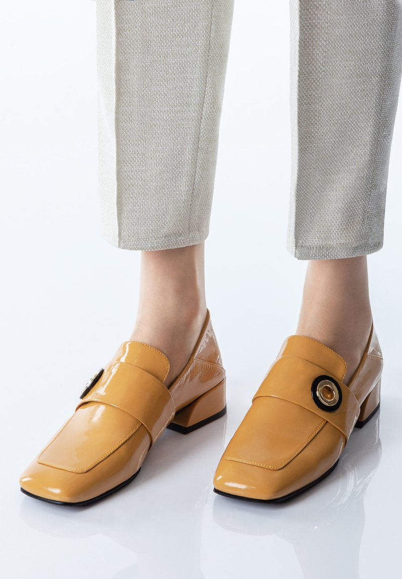 TJ Collection - Slip-ons - yellow