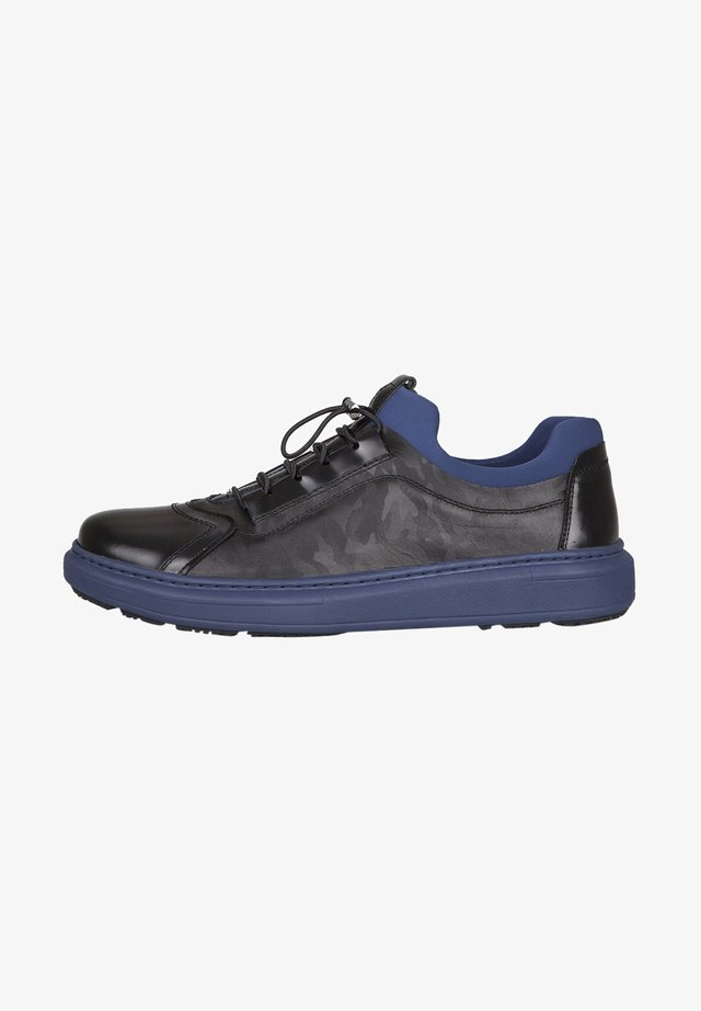 Trainers - black/blue