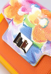 TJ Collection - Handbag - yellow - 4