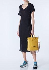 TJ Collection - Handbag - yellow - 1