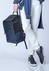 TJ Collection - AMSTERDAM - Rucksack - blue - 3
