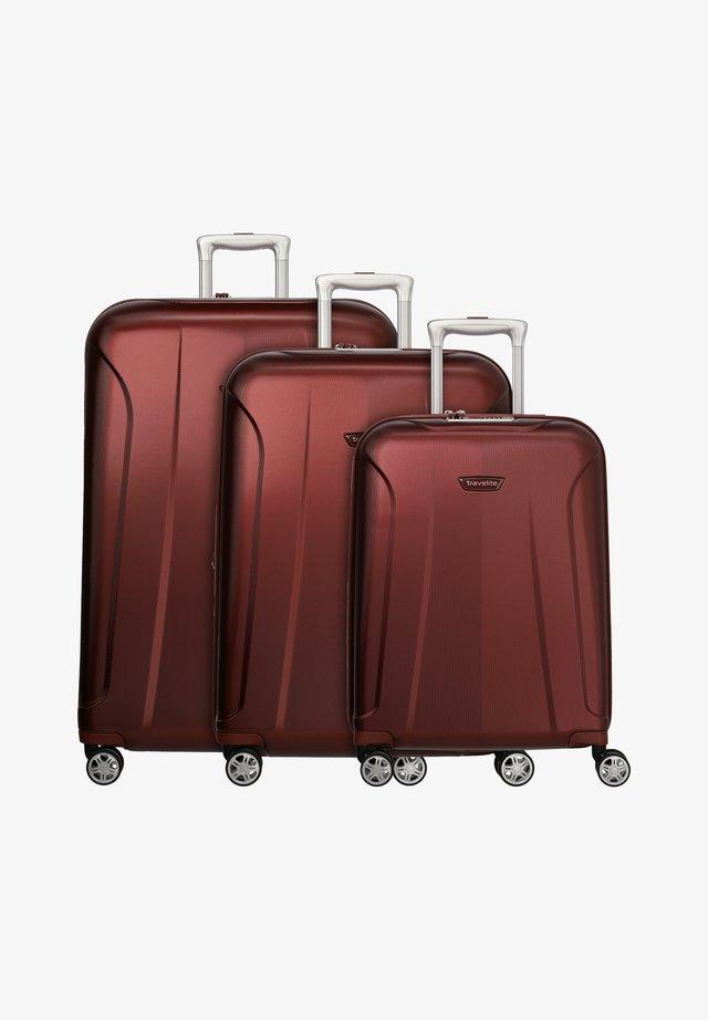 ELBE  - Kofferset - red