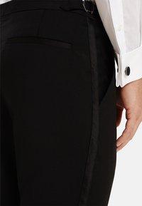 T.M.Lewin - LANCEWOOD SLIM FIT 2 BOUTTON - Costume - black - 5