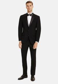 T.M.Lewin - LANCEWOOD SLIM FIT 2 BOUTTON - Costume - black - 0