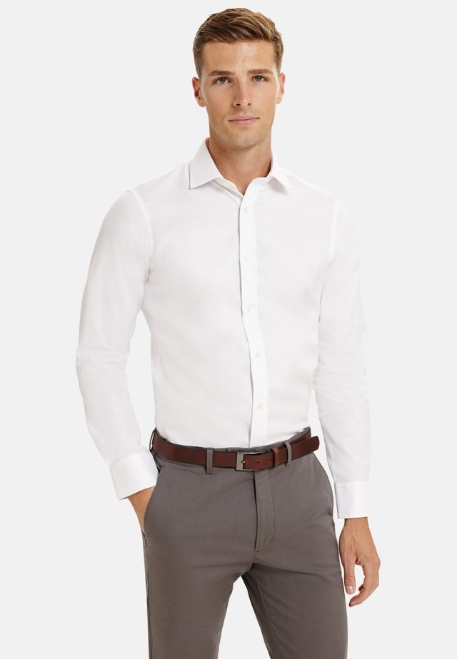 FITTED OXFORD - Formal shirt - white