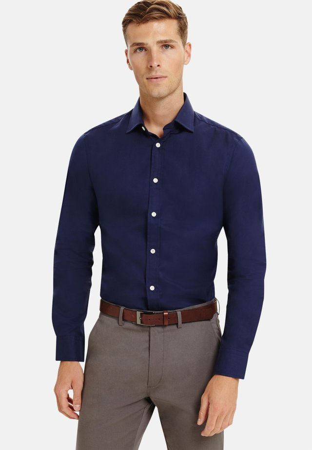FITTED TWILL  - Formal shirt - navy