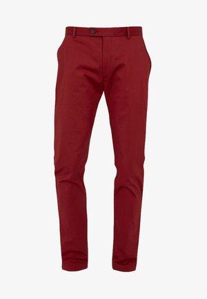 RADCLIFFE SLIM FIT - Pantalones chinos - red