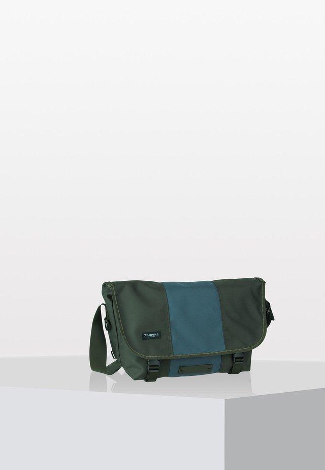 CLASSIC  - Across body bag - green