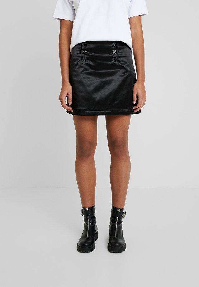 WHALE - A-linjekjol - black