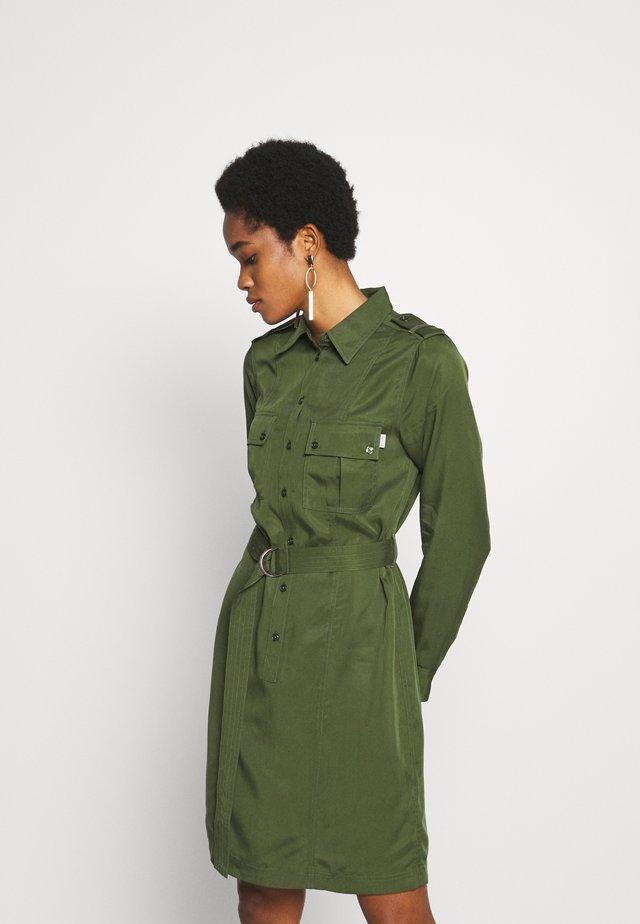 FLORENCE. - Shirt dress - deep green