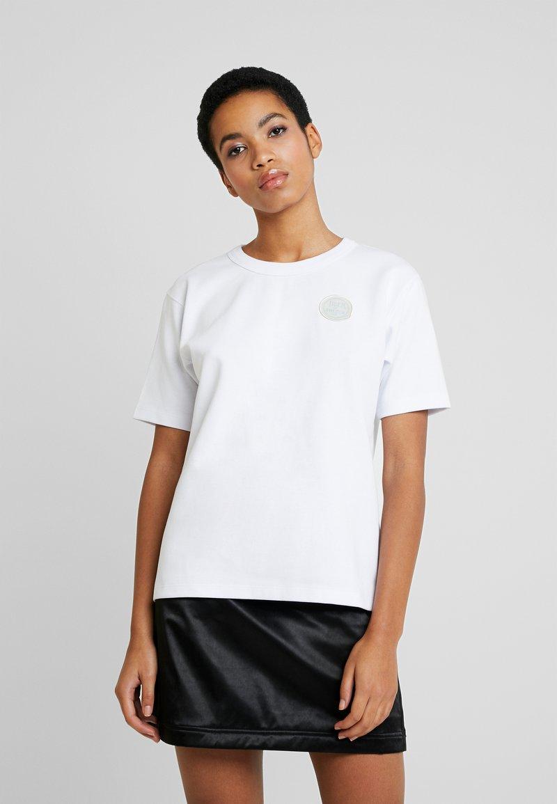 Tiger of Sweden Jeans - STERNA - Print T-shirt - white