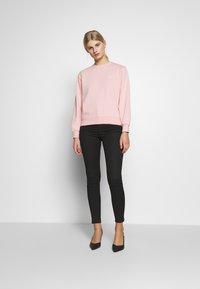 Tiger of Sweden Jeans - HEELGA - Sweatshirt - light pink - 1