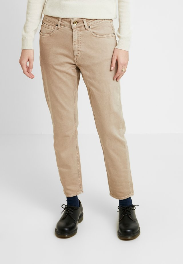 LEA - Relaxed fit jeans - sand