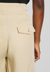 Tiger of Sweden Jeans - AIRAA - Shorts - yellow sand - 4