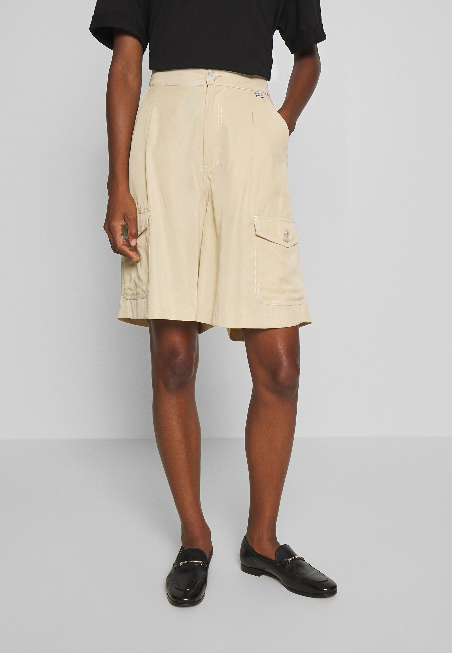 Tiger of Sweden Jeans AIRAA - Shorts - yellow sand