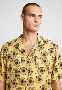 Tiger of Sweden Jeans - CALUMN  - Shirt - yellow - 3