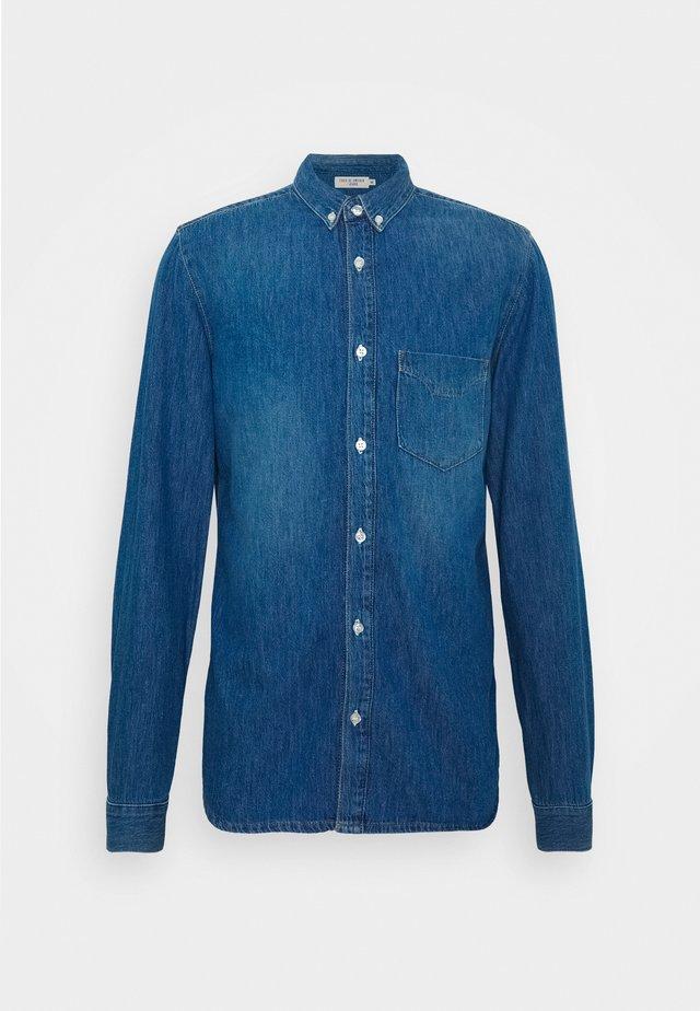 Shirt - dust blue