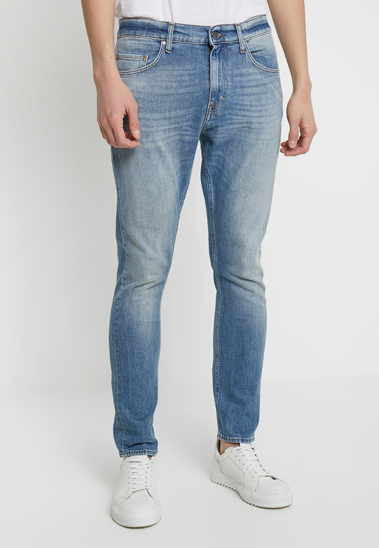 Tiger of Sweden Jeans - PISTOLERO - Straight leg jeans - light blue