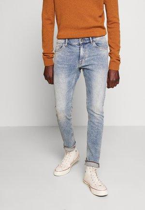 EVOLVE - Jeans slim fit - dust blue