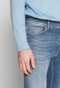 Tiger of Sweden Jeans - EVOLVE - Jeans slim fit - medium blue - 3