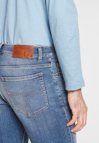 Tiger of Sweden Jeans - EVOLVE - Jeans slim fit - medium blue - 5