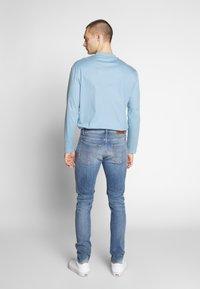Tiger of Sweden Jeans - EVOLVE - Jeans slim fit - medium blue - 2