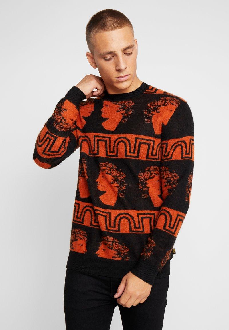 Tiger of Sweden Jeans - PIERRE  - Stickad tröja - black/orange