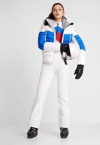 Toni Sailer - MURIEL - Ski jacket - white/red/blue - 1