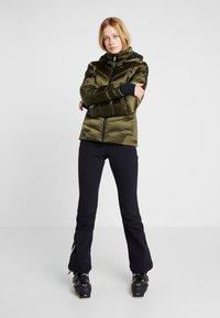 Toni Sailer - NELE SPLENDID - Ski jacket - golden green - 1