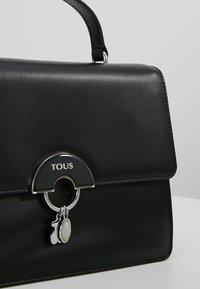 Tous - HOLD CITY BAG - Handtasche - black - 6