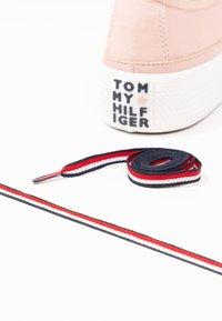 Tommy Hilfiger - CORPORATE FLATFORM  - Trainers - pink - 7