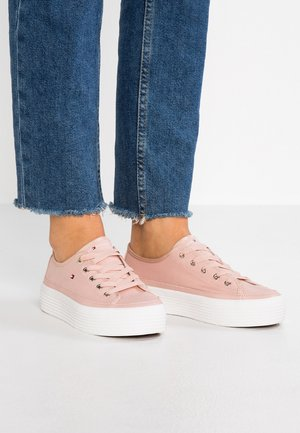 CORPORATE FLATFORM  - Baskets basses - pink