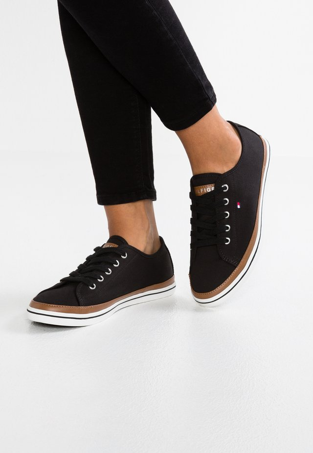 ICONIC KESHA  - Sneakers laag - black