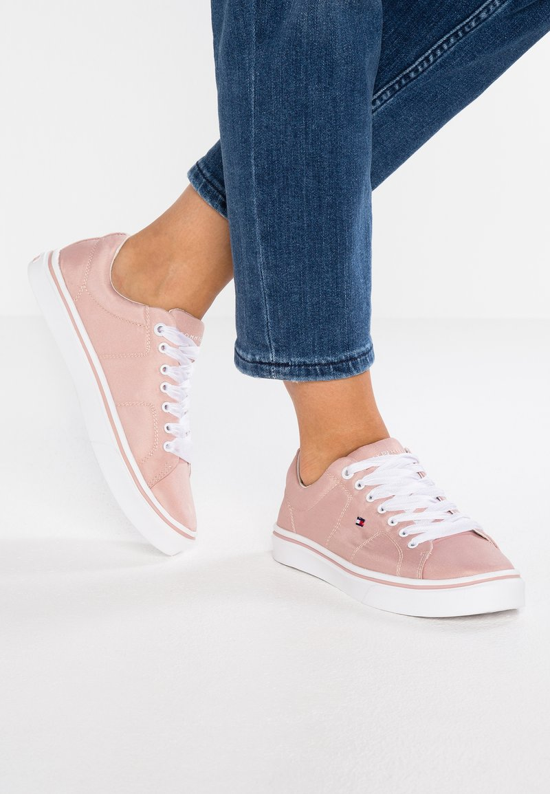 Tommy Hilfiger - METALLIC LIGHT WEIGHT LACE UP - Sneaker low - pink