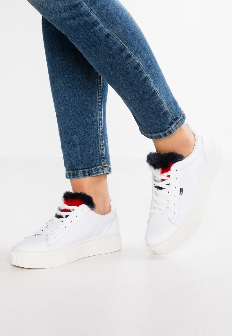 Tommy Jeans - FUNNY STAR  - Baskets basses - white