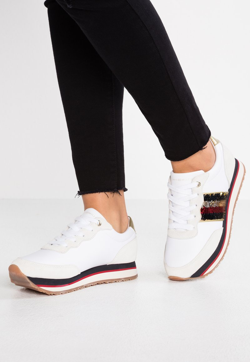 Tommy Hilfiger - SEQUINS RETRO RUNNER - Sneaker low - white