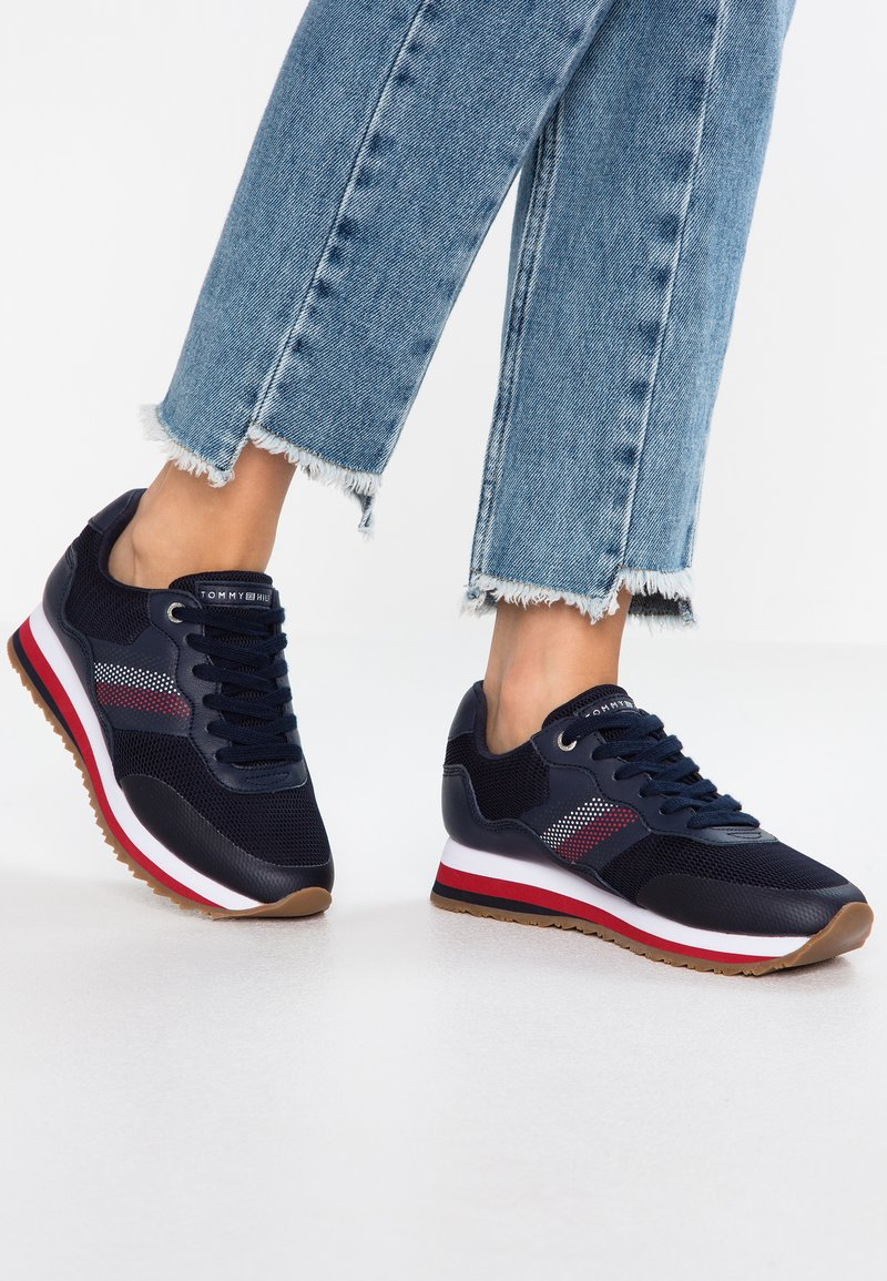 Tommy Hilfiger - CORPORATE RETRO  - Trainers - blue