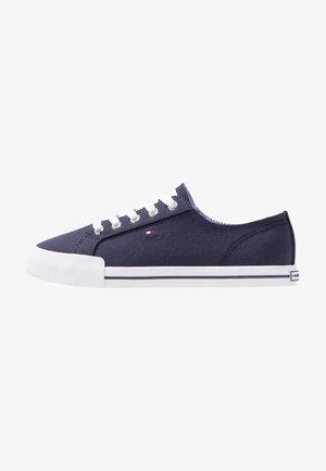 ESSENTIAL  - Sneakersy niskie - blue