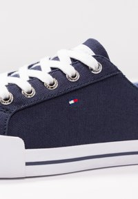 Tommy Hilfiger - ESSENTIAL  - Sneakers - blue