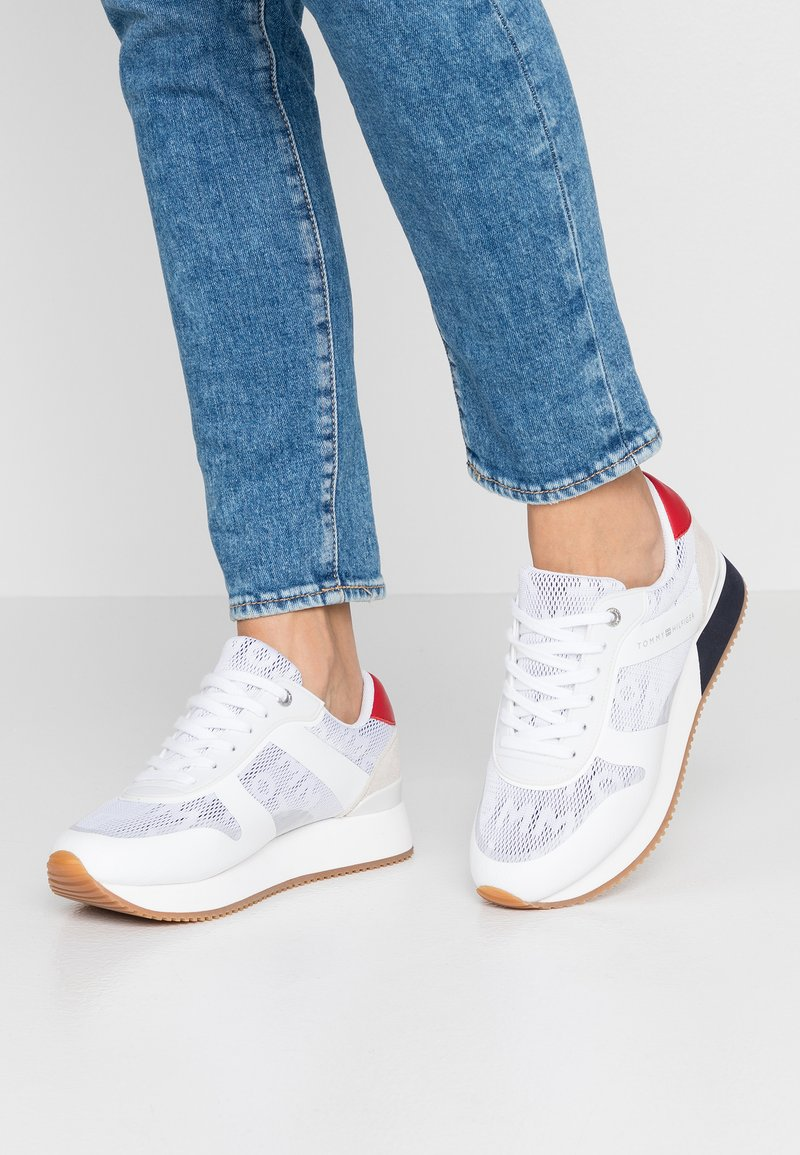Tommy Hilfiger - CITY  - Sneaker low - red