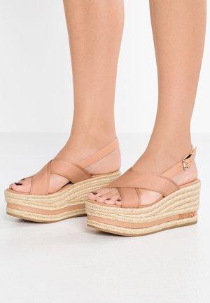FLATFORM - Sandalias con plataforma - beige