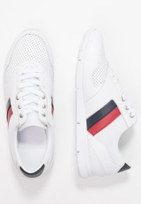 Tommy Hilfiger - LIGHTWEIGHT LEATHER SNEAKER - Trainers - red/white/blue - 3