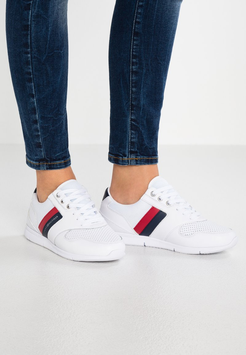 Tommy Hilfiger - LIGHTWEIGHT LEATHER SNEAKER - Trainers - red/white/blue