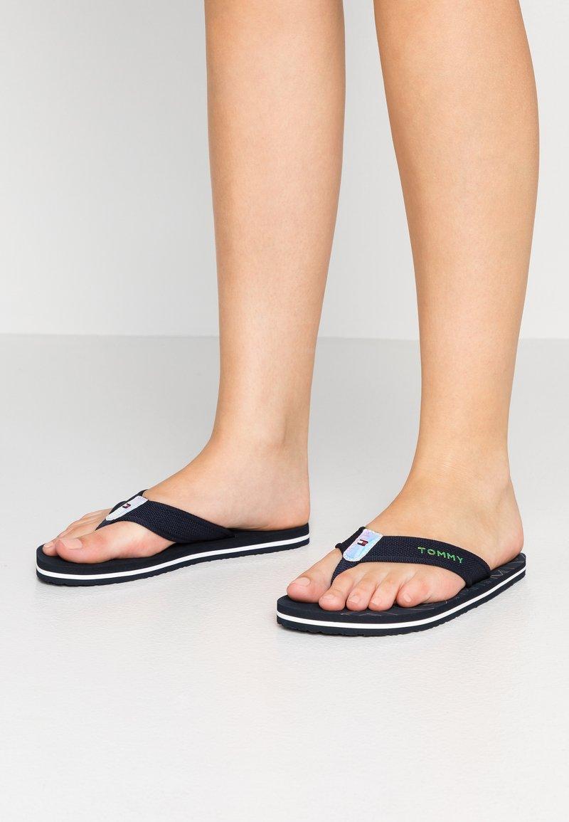Tommy Hilfiger - IRIDESCENT DETAIL BEACH  - Sandály s odděleným palcem - blue