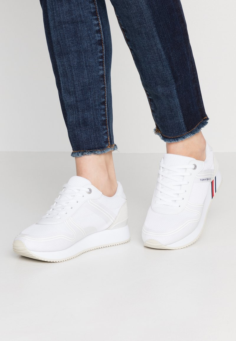 Tommy Hilfiger - ACTIVE CITY  - Sneaker low - white