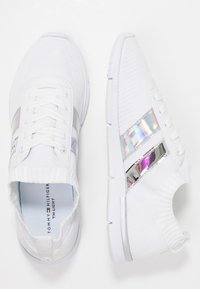 Tommy Hilfiger - CORPORATE DETAIL LIGHT  - Sneakers basse - white - 3